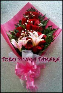 bouquet mawar wisuda depok
